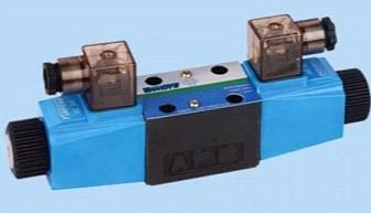 Vickers PV063R1K1A4NMLA+PGP511A0210CA1 Piston Pump PV Series